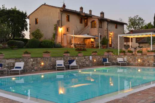 San Leolino - The swimming pool is set on a lower terrace enjoying stunning views.