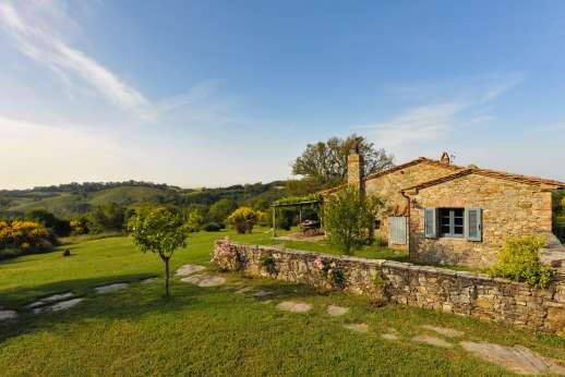 Casetta Termine - Casetta Termine is set on a hilltop in the heart of the wild Maremma region