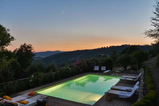 Bellona Di Sotto | 5 Bed Luxury Villa with Pool | Cortona - The majestic views during an evening swim at the villa