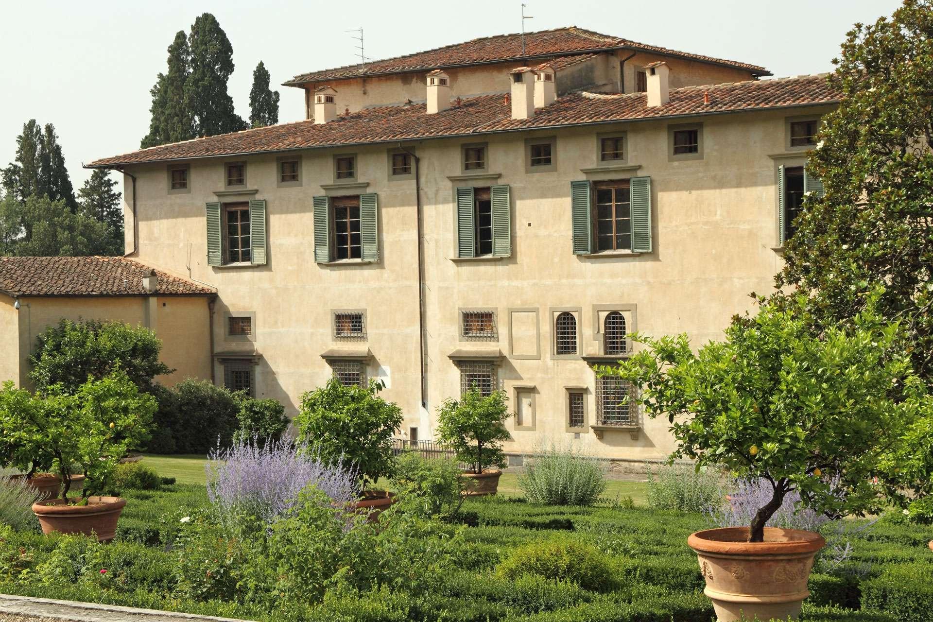 Visiting the Medici Villas
