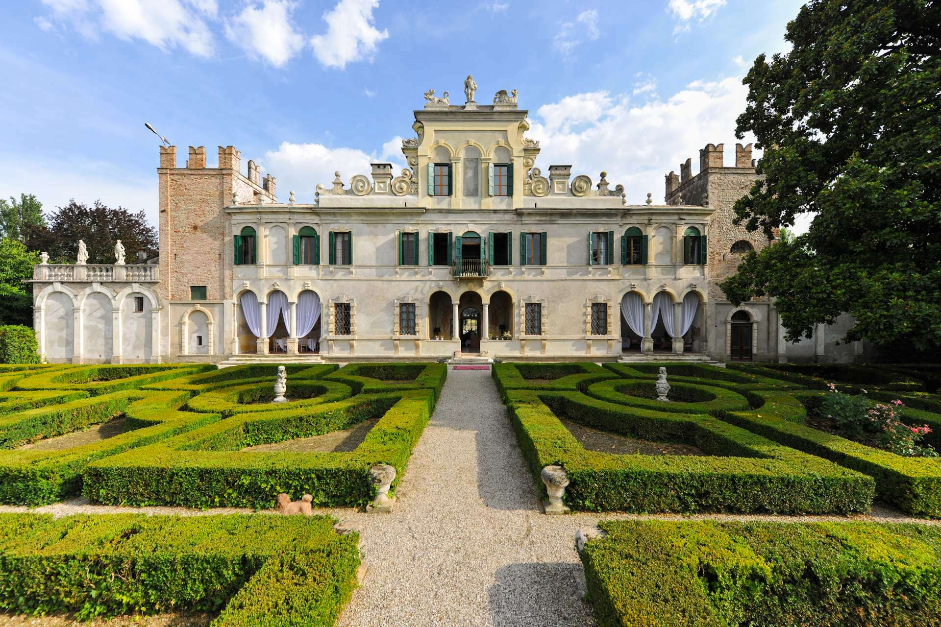 The Ultimate Luxury Villa Stays in Italy: How to Stay in your own Palazzo
